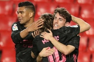 O Real Madrid confiou na garotada, goleou o Granada e mantém a perseguição ao Atlético de Madrid
