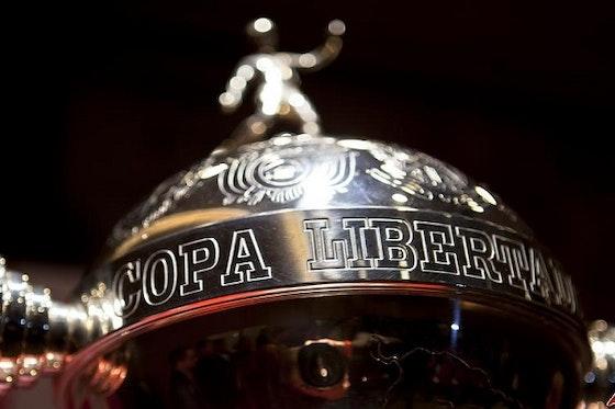 Article image: https://image-service.onefootball.com/crop/face?h=810&image=https%3A%2F%2Ficdn.caughtoffside.com%2Fwp-content%2Fuploads%2F2015%2F03%2Fcopa-libertadores-cup.jpg&q=25&w=1080