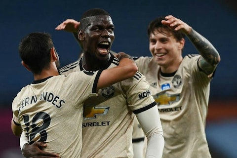 Article image: https://image-service.onefootball.com/crop/face?h=810&image=https%3A%2F%2Ficdn.caughtoffside.com%2Fwp-content%2Fuploads%2F2020%2F07%2Ffernandes-pogba-lindelof-united.jpg&q=25&w=1080