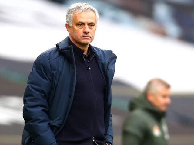 """The game evolves"" – Former Manchester United ace fires warning to Tottenham over struggling Jose Mourinho"
