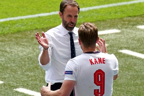 Article image: https://image-service.onefootball.com/resize?fit=max&h=790&image=https%3A%2F%2Ficdn.caughtoffside.com%2Fwp-content%2Fuploads%2F2021%2F06%2FSouthgate-Kane-England-Euro-2020.jpg&q=25&w=1080