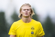 """""""Haaland's certainly the one"""" – Manchester United tipped to pull off major striker transfer next summer"""