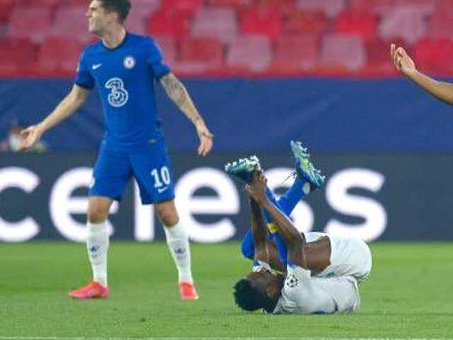 """These Chelsea fans rage at Porto """"diving more than Michael Phelps"""""""