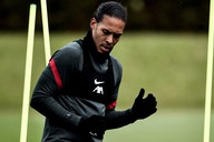 (Photo) Virgil van Dijk takes crucial step toward return from injury