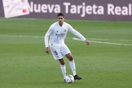 Real Madrid make decision on Raphael Varane amid unanswered contract offer