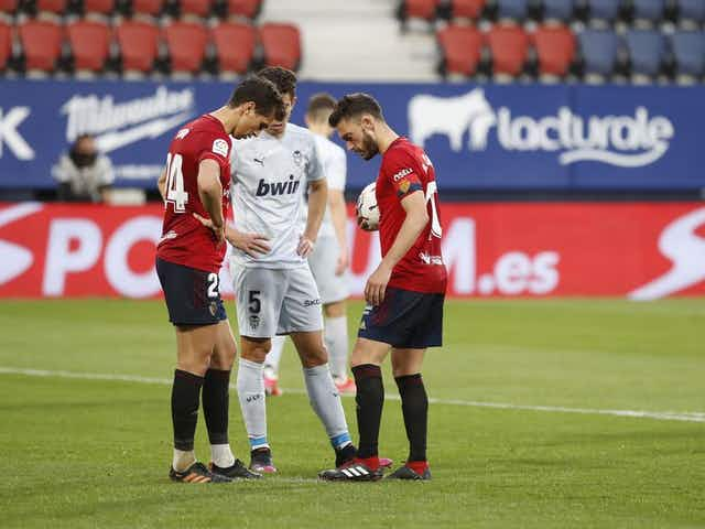 Osasuna record stunning 3-1 defeat of Valencia at Estadio El Sadar