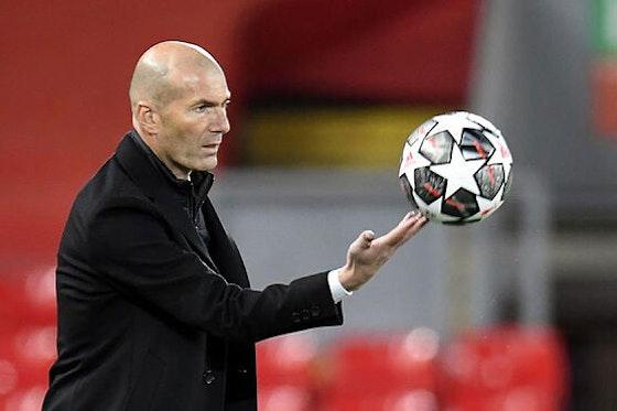 Article image: https://image-service.onefootball.com/crop/face?h=810&image=https%3A%2F%2Ficdn.football-espana.net%2Fwp-content%2Fuploads%2F2021%2F04%2FZinedine-Zidane.jpg&q=25&w=1080