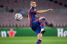 Article image: https://image-service.onefootball.com/crop/face?h=810&image=https%3A%2F%2Ficdn.football-espana.net%2Fwp-content%2Fuploads%2F2021%2F06%2FMiralem-Pjanic.jpg&q=25&w=1080