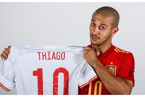 Article image: https://image-service.onefootball.com/resize?fit=max&h=608&image=https%3A%2F%2Ficdn.football-espana.net%2Fwp-content%2Fuploads%2F2021%2F06%2FThiago-1.jpg&q=25&w=1080