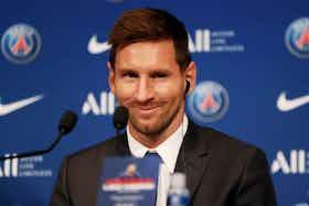 Article image: https://image-service.onefootball.com/crop/face?h=810&image=https%3A%2F%2Ficdn.football-espana.net%2Fwp-content%2Fuploads%2F2021%2F08%2FLionel-Messi.jpg&q=25&w=1080