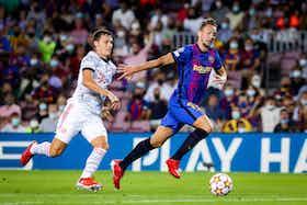Article image: https://image-service.onefootball.com/crop/face?h=810&image=https%3A%2F%2Ficdn.football-espana.net%2Fwp-content%2Fuploads%2F2021%2F09%2FLuuk-de-Jong-2.jpg&q=25&w=1080