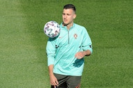 Manchester United unwilling to give discounts as they negotiate with Milan over defender