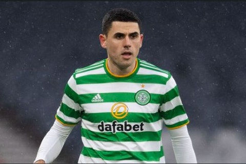 Article image: https://image-service.onefootball.com/crop/face?h=810&image=https%3A%2F%2Ficdn.thecelticstar.com%2Fwp-content%2Fuploads%2F2021%2F02%2Frogic.jpg&q=25&w=1080