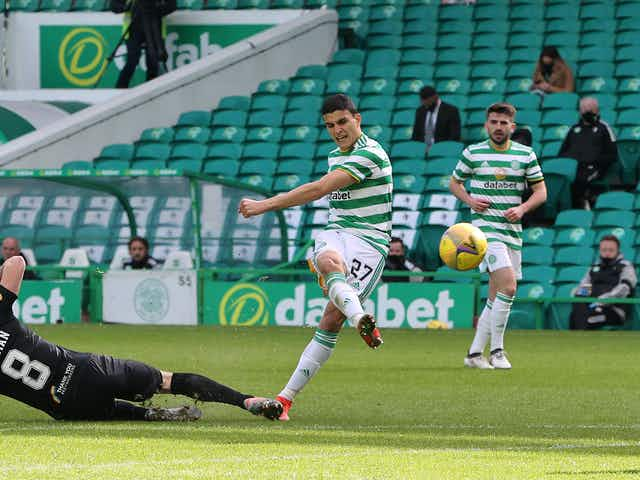 Photo: Elyounoussi included in SPFL Team of the Week