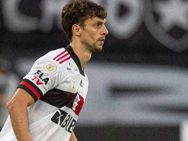 """Ceni analisa evolução de Rodrigo Caio e ressalta: """"ele também era volante"""""""