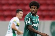 Luiz Adriano é quem mais bate pênaltis no Palmeiras... e quem mais perde