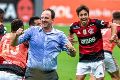 Imagem do artigo: https://image-service.onefootball.com/crop/face?h=810&image=https%3A%2F%2Fimages.performgroup.com%2Fdi%2Flibrary%2Fdazneditorialimages%2F88%2F32%2Frogerio-ceni-flamengo-internacional-brasileirao-21-02-2021_rogerio_ceni_flamengo_internacional_brasileirao_21_02_2021_xeevu8oyut151nagu840528mo.jpg%3Ft%3D-593359049&q=25&w=1080