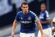 Everton boss Benitez delighted seeing Coleman pen new terms