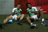Jogadores do Palmeiras usam rede social para se despedir de Lucas Esteves
