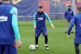 Imagem do artigo: https://image-service.onefootball.com/resize?fit=max&h=675&image=https%3A%2F%2Fjogada10.com.br%2Fwp-content%2Fuploads%2F2021%2F02%2FBarcelona-treino-1.jpg&q=25&w=1080