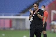 Jardine reclama da expulsão de Douglas Luiz e valoriza o espírito da equipe no empate com a Costa do Marfim