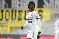 Manchester to turn to £25m teenage rising star after Varane deal