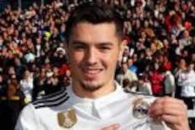 Imagem do artigo: https://image-service.onefootball.com/resize?fit=max&h=1080&image=https%3A%2F%2Fmaisqueumjogo.com.br%2Fwp-content%2Fuploads%2F2019%2F01%2FBrahim-D%C3%ADaz-Real-Madrid-150x150.jpg&q=25&w=1080