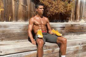 Imagem do artigo: https://image-service.onefootball.com/crop/face?h=810&image=https%3A%2F%2Fmaisqueumjogo.com.br%2Fwp-content%2Fuploads%2F2020%2F09%2FCristiano-Ronaldo-deve-desfalcar-Portugal-Foto-Instagram.png&q=25&w=1080