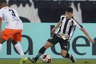Ronald comemora chance entre os titulares do Botafogo