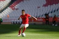 Barcelona cresce os olhos para lateral de Jorge Jesus no Benfica