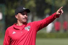 Imagem do artigo: https://image-service.onefootball.com/resize?fit=max&h=696&image=https%3A%2F%2Fmedia.internacional.groundsportech.com%2Fwp-content%2Fuploads%2F2021%2F08%2F01033957%2FRaioX_CeleiroSub20_SaoPauloVsInter_9Rodada_BrasileiraoSub202021_Alex_FotoRubensChiri_SaoPaulo_0108.jpg&q=25&w=1080