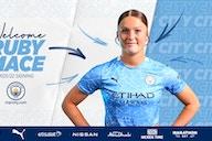 Ruby Mace firma por el City