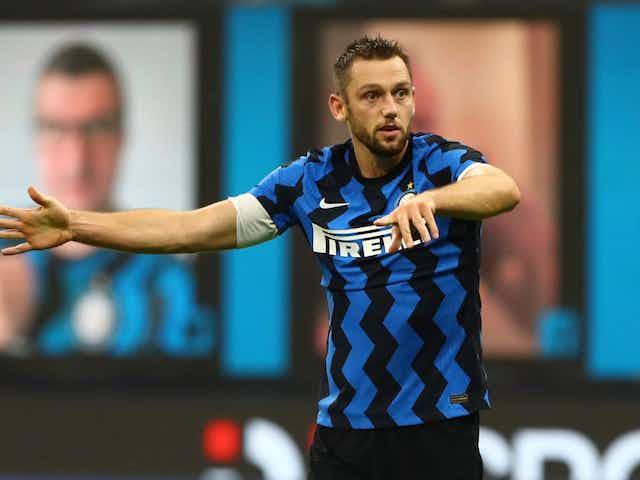 Manchester City, Liverpool e PSG possuem interesse em zagueiro da Inter, mas time italiano planeja renovação