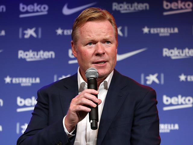 """Técnico do Barcelona critica UEFA após desmanche da Superliga: """"O importante pra eles é o dinheiro"""""""