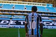 Douglas Costa fica próximo de reestreia pelo Grêmio