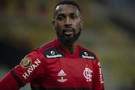 Que atitude! Gerson presenteia roupeiro do Flamengo com carro; veja o vídeo