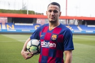 Koeman pede ao presidente do Barcelona a permanência de um atacante