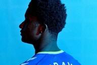 Mais um! Demarai Gray é anunciado pelo Everton
