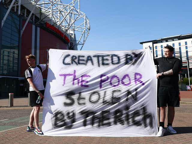 'Created by the poor, stolen by the rich': United fans protest about Super League outside Old Trafford