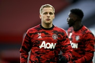 Manchester United fans react to Van de Beek's dismal performance vs Leicester
