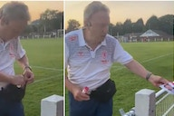 Neil Warnock: Boro boss goes viral for carrying stack of signed pics everywhere