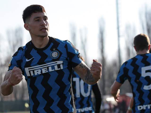 Arsenal, Chelsea and Manchester City interested in Martin Satriano