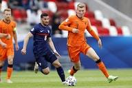 Arsenal ready to bid for Lyon's Houssem Aouar