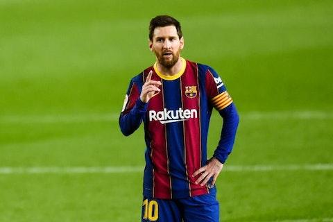 Image de l'article : https://image-service.onefootball.com/crop/face?h=810&image=https%3A%2F%2Fstatic.butfootballclub.fr%2Fphoto_article%2F459279%2F192387%2F800-L-fc-barcelone-coup-dur-confirm-pour-le-bara-messi-priv-d-une-ppite-face-au-psg.jpg&q=25&w=1080