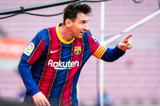 Image de l'article : https://image-service.onefootball.com/crop/face?h=810&image=https%3A%2F%2Fstatic.butfootballclub.fr%2Fphoto_article%2F637283%2F242521%2F800-L-fc-barcelone-mercato-deux-chouchous-de-messi-lui-tendent-les-bras.jpg&q=25&w=1080