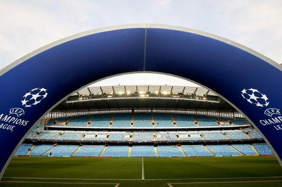 Image de l'article : https://image-service.onefootball.com/crop/face?h=810&image=https%3A%2F%2Fstatic.onzemondial.com%2Fphoto_article%2F468260%2F204575%2F800-L-manchester-city-se-retire-officiellement-de-la-super-league-manchester-united.jpg&q=25&w=1080