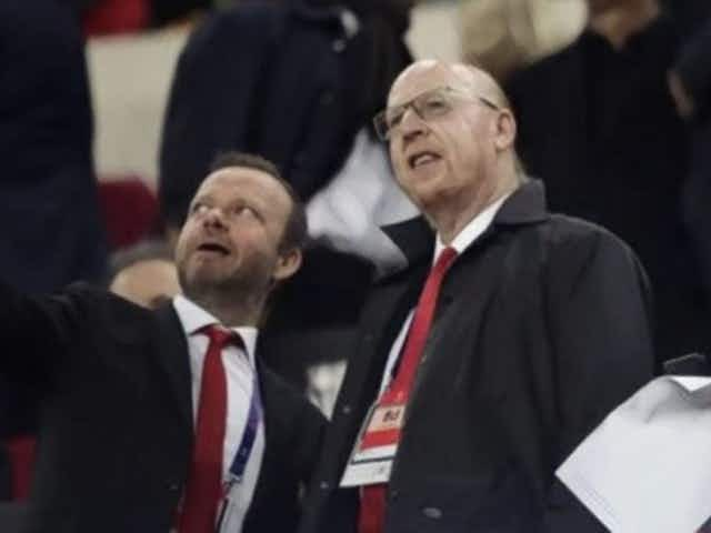 'Red Knights' urge Glazer family to 'loosen grip' on Manchester United after ESL row