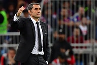 Romano: Tottenham approach former Barcelona manager as search continues
