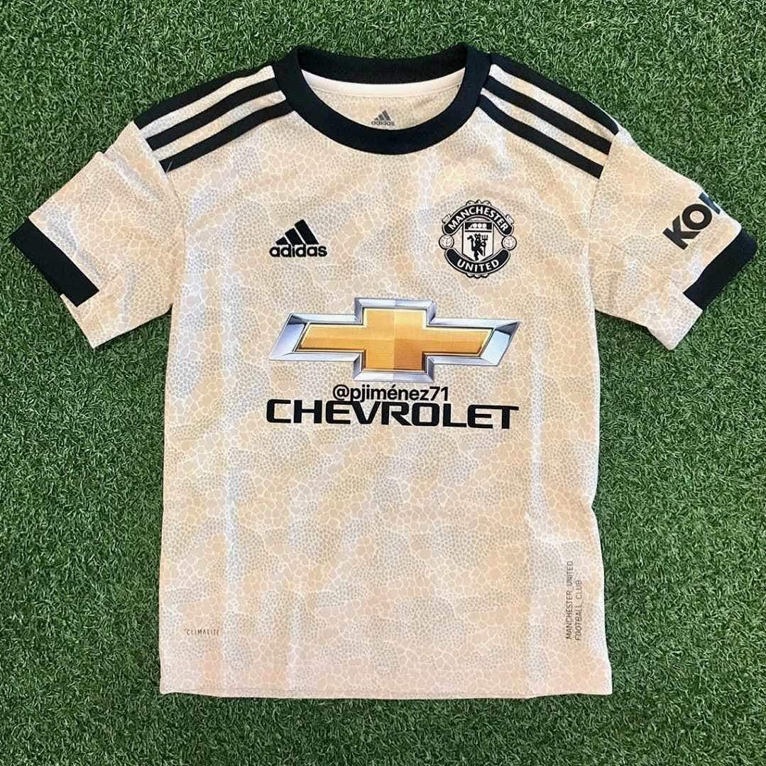newest a9034 6b173 📸 Man United's new away kit is snakeskin and it's all kinds ...