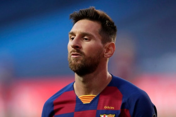 Article image: https://image-service.onefootball.com/crop/face?h=810&image=https%3A%2F%2Fwp-images.onefootball.com%2Fwp-content%2Fuploads%2Fsites%2F10%2F2020%2F08%2FBarcelona-v-Bayern-Munich-UEFA-Champions-League-Quarter-Final-1598387115-1000x750.jpg&q=25&w=1080